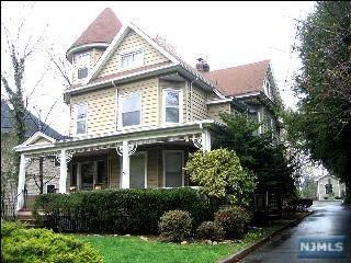 211 Woodside Avenue - Photo 1