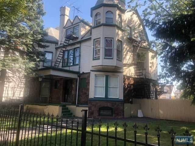 161-167 7th Street - Photo 1