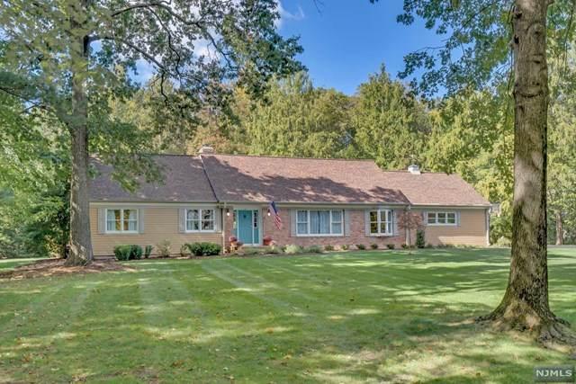 27 Bradrick Lane, Allendale, NJ 07401 (MLS #20043278) :: Kiliszek Real Estate Experts