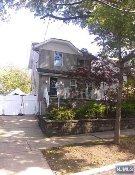 40 Hackensack Avenue, Ridgefield Park, NJ 07660 (MLS #20043312) :: Provident Legacy Real Estate Services, LLC