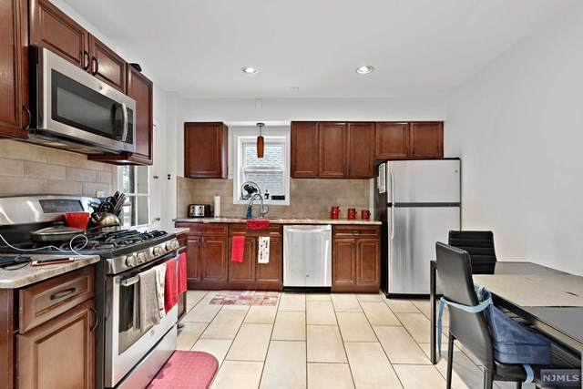 41 Van Dyke Street, Wallington, NJ 07057 (MLS #20043319) :: Provident Legacy Real Estate Services, LLC