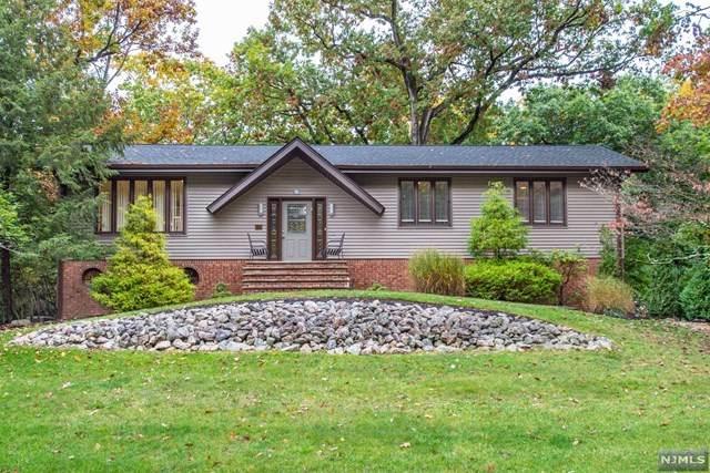 208 Hilltop Court, Pompton Lakes, NJ 07442 (MLS #20043453) :: Kiliszek Real Estate Experts