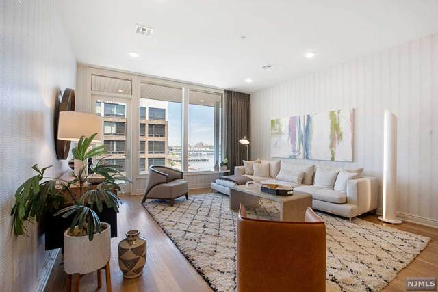 3 Somerset Lane #419, Edgewater, NJ 07020 (MLS #20043476) :: Provident Legacy Real Estate Services, LLC