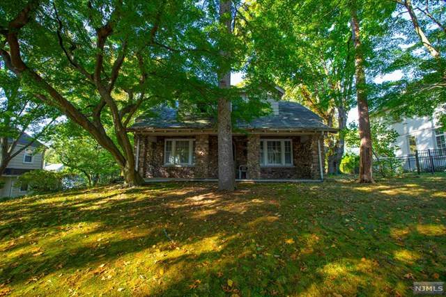 21 Oak Avenue, Tenafly, NJ 07670 (MLS #20043513) :: Kiliszek Real Estate Experts