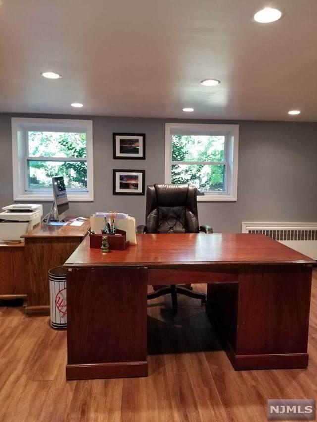 11 Brookside Terrace, North Caldwell, NJ 07006 (MLS #20043591) :: Kiliszek Real Estate Experts
