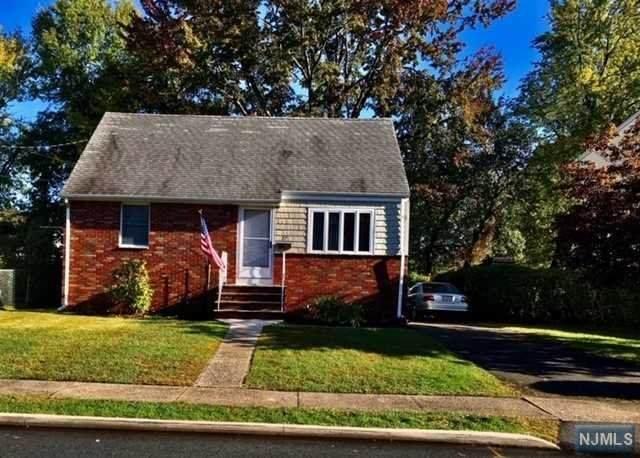 27 Knollwood Road, Totowa, NJ 07512 (MLS #20043793) :: Team Braconi | Christie's International Real Estate | Northern New Jersey