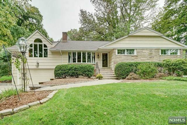 322 Chestnut Street, Haworth, NJ 07641 (MLS #20043873) :: The Dekanski Home Selling Team