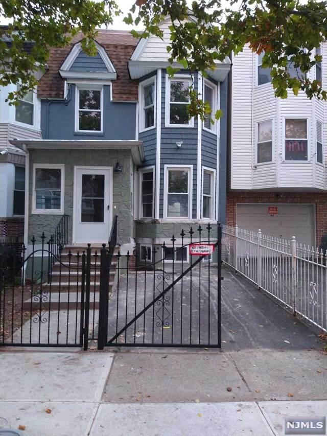 199 N 11th Street, Newark, NJ 07107 (MLS #20044036) :: Kiliszek Real Estate Experts