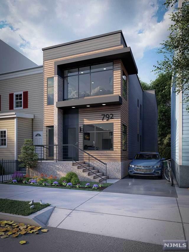792 S 14th Street, Newark, NJ 07108 (MLS #20044051) :: Kiliszek Real Estate Experts