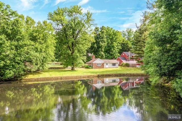 364 Crescent Avenue, Wyckoff, NJ 07481 (MLS #20044068) :: The Dekanski Home Selling Team