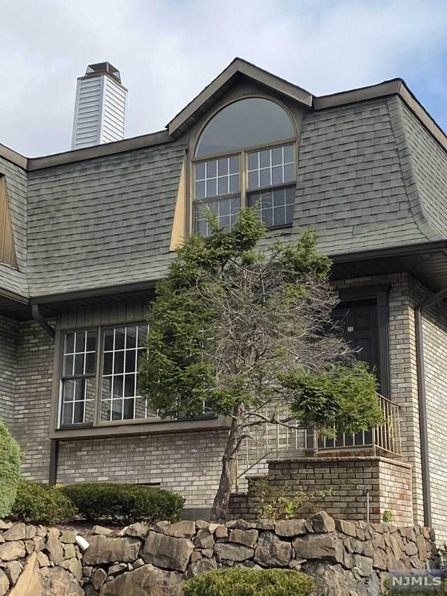 20 Falls Bridge Drive, Totowa, NJ 07512 (MLS #20044252) :: Team Braconi | Christie's International Real Estate | Northern New Jersey