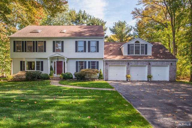 8 Leveridge Lane, Pequannock Township, NJ 07444 (MLS #20044262) :: Team Braconi | Christie's International Real Estate | Northern New Jersey