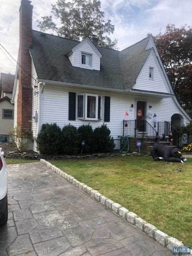 144 Washington Avenue, New Milford, NJ 07646 (MLS #20044291) :: The Dekanski Home Selling Team