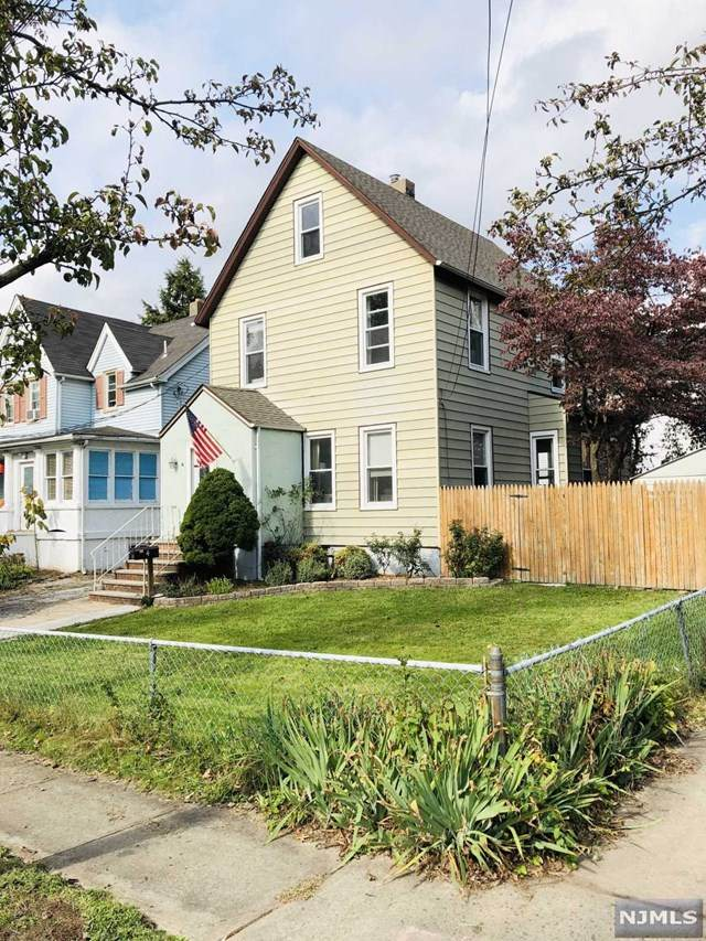 4 Ivy Place, Dumont, NJ 07628 (MLS #20044343) :: Kiliszek Real Estate Experts