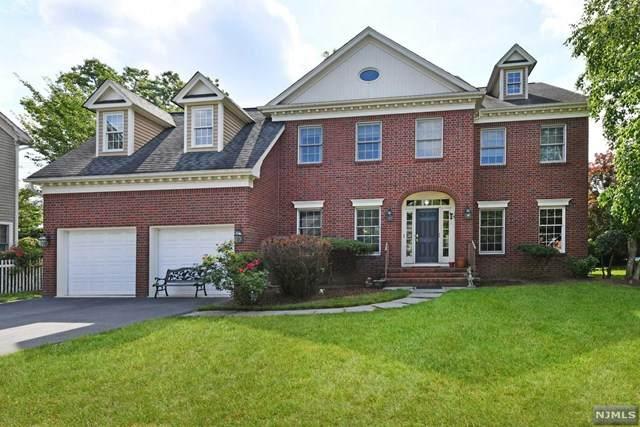 8 Alex Court, Wyckoff, NJ 07481 (MLS #20044445) :: The Dekanski Home Selling Team