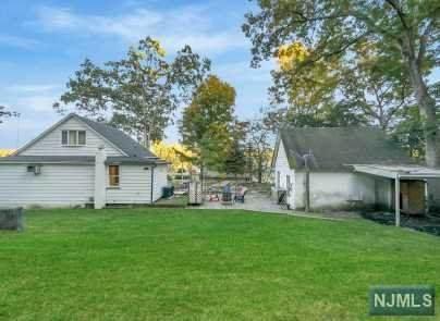65 Fredericks Street, Wanaque, NJ 07465 (MLS #20044589) :: Provident Legacy Real Estate Services, LLC