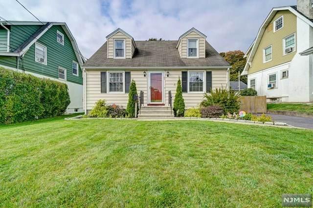 63 Van Blarcom Avenue, Midland Park, NJ 07432 (MLS #20044848) :: The Dekanski Home Selling Team
