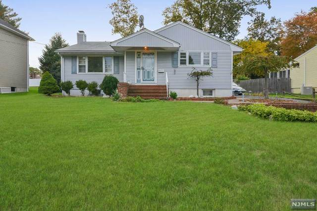 444 West Avenue, Northvale, NJ 07647 (MLS #20045064) :: The Dekanski Home Selling Team