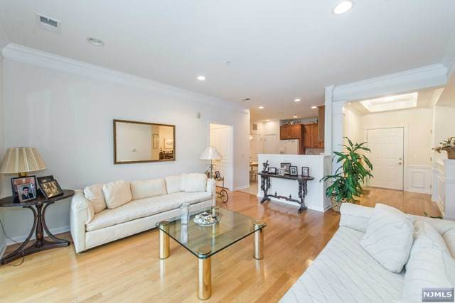 6119 Warrens Way, Wanaque, NJ 07465 (MLS #20045068) :: Provident Legacy Real Estate Services, LLC