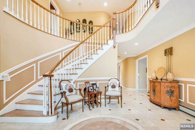40 Oxbow Place, Wayne, NJ 07470 (MLS #20045099) :: Team Braconi | Christie's International Real Estate | Northern New Jersey