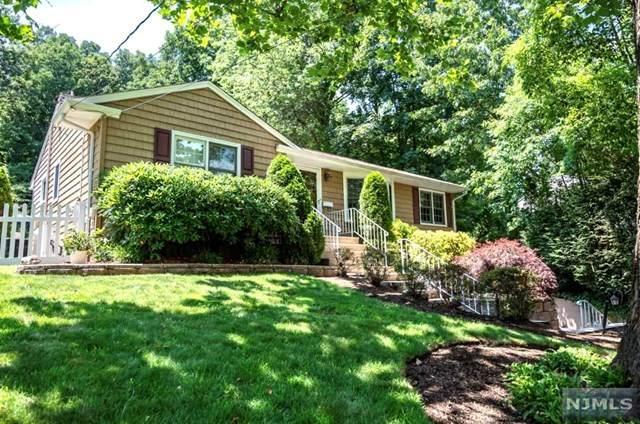 944 N Monroe Street, Midland Park, NJ 07432 (MLS #20045159) :: The Dekanski Home Selling Team