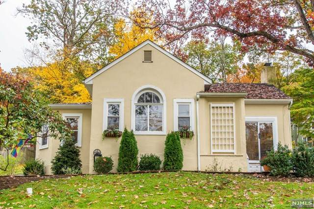 98 Burnham Parkway, Morris Township, NJ 07960 (MLS #20045288) :: Kiliszek Real Estate Experts