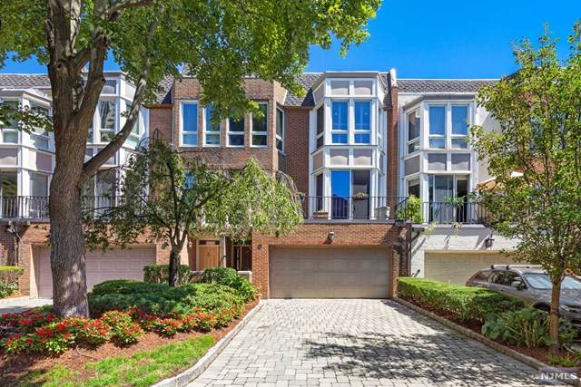 47 Victoria Place Th, Fort Lee, NJ 07024 (MLS #20045301) :: Team Braconi | Christie's International Real Estate | Northern New Jersey