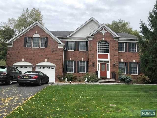 204 Van Buren Drive, Paramus, NJ 07652 (MLS #20045491) :: Team Braconi | Christie's International Real Estate | Northern New Jersey