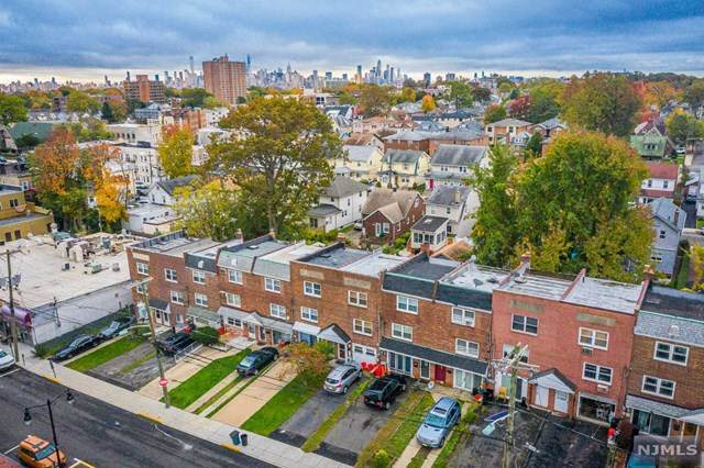 372 Lawton Avenue, Cliffside Park, NJ 07010 (MLS #20045657) :: William Raveis Baer & McIntosh