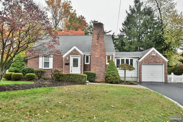 203 Park Avenue, Park Ridge, NJ 07656 (MLS #20045708) :: The Dekanski Home Selling Team