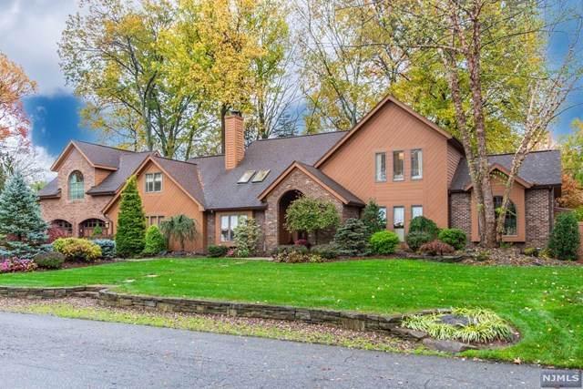 9 Leveridge Lane, Pequannock Township, NJ 07444 (MLS #20045740) :: Kiliszek Real Estate Experts