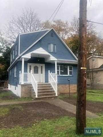 26 Grand Street, Wayne, NJ 07470 (MLS #20045803) :: Kiliszek Real Estate Experts