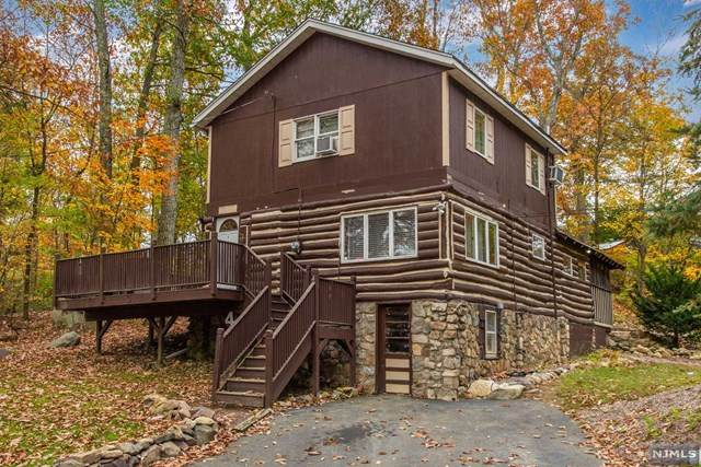 4 Twin Oaks Trail, West Milford, NJ 07421 (MLS #20045818) :: Provident Legacy Real Estate Services, LLC