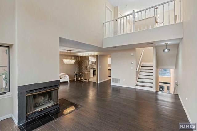 307 Franklin Court, Edgewater, NJ 07020 (MLS #20045909) :: Kiliszek Real Estate Experts