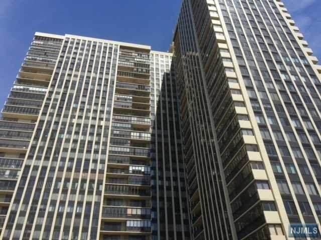 300 Winston Drive #2322, Cliffside Park, NJ 07010 (MLS #20045991) :: William Raveis Baer & McIntosh
