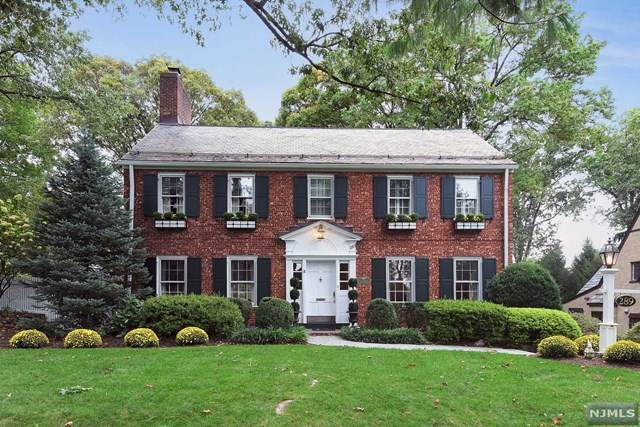 289 W Ridgewood Avenue, Ridgewood, NJ 07450 (MLS #20046038) :: William Raveis Baer & McIntosh