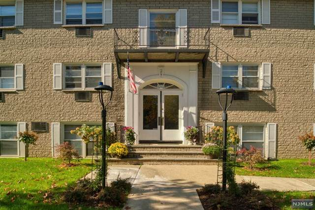 174 Maple Avenue - Photo 1