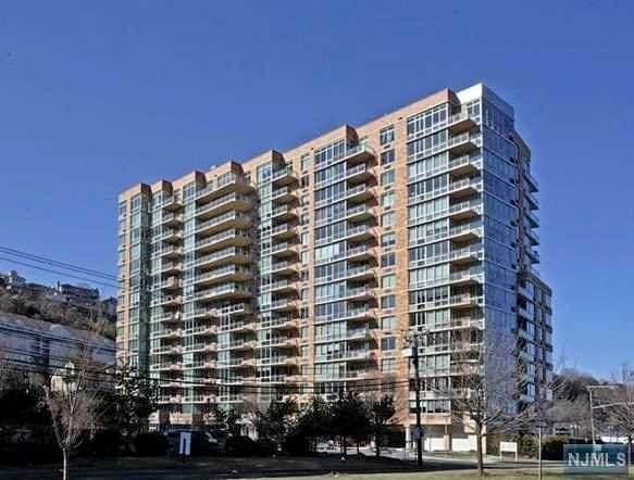 715 Hudson Park - Photo 1