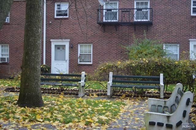63 Hudson Avenue - Photo 1