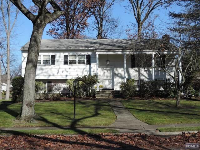 265 Columbia Terrace, Paramus, NJ 07652 (MLS #20048173) :: The Sikora Group