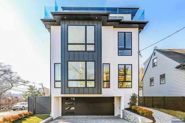 2 Park Street, Edgewater, NJ 07020 (MLS #20049482) :: Team Francesco/Christie's International Real Estate