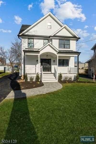 22 Amelia Avenue, Livingston, NJ 07039 (MLS #20049567) :: Kiliszek Real Estate Experts