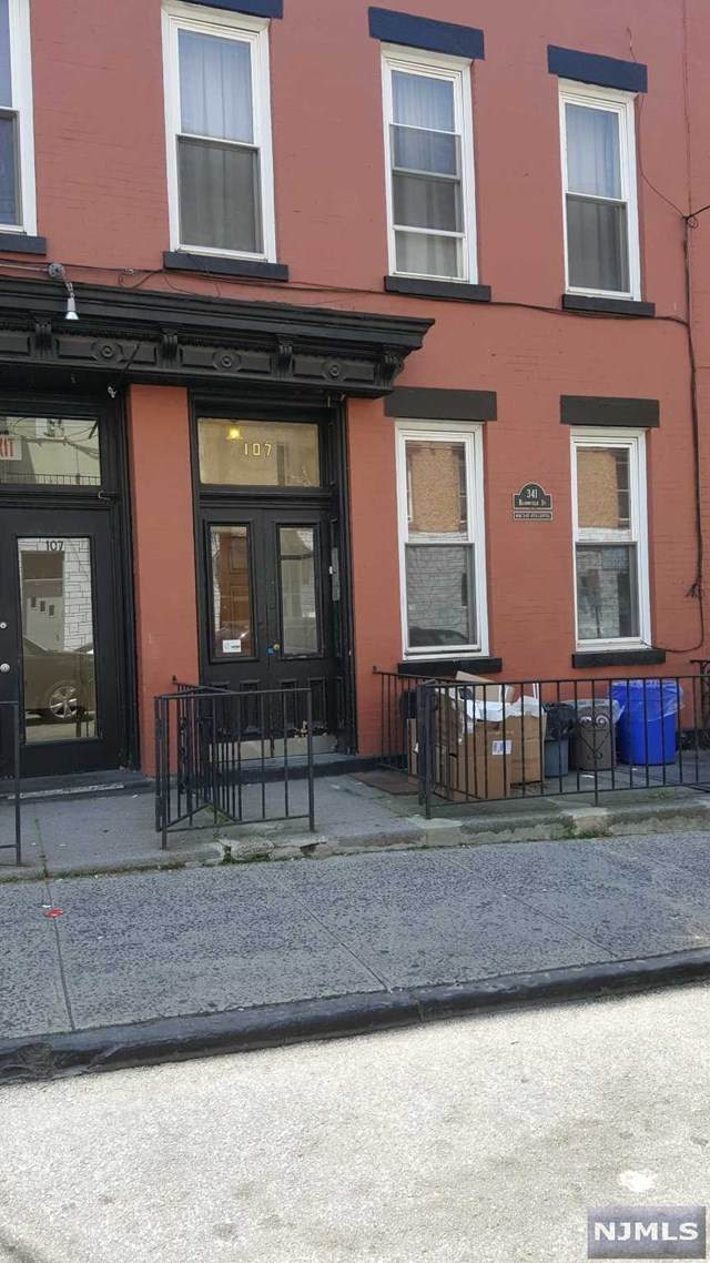 341 Bloomfield Street - Photo 1