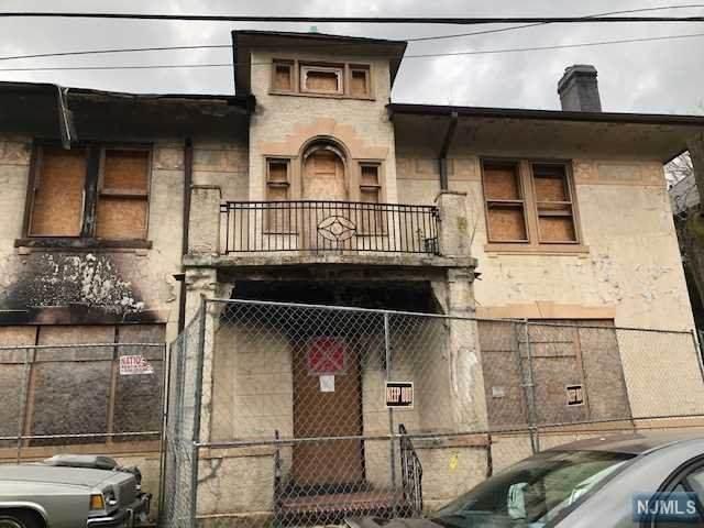 88 Sterling Avenue, Weehawken, NJ 07086 (MLS #20049754) :: The Lane Team