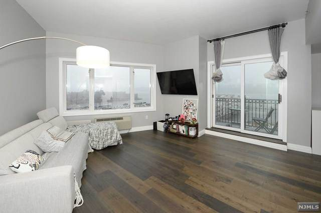 3522 City Place, Edgewater, NJ 07020 (MLS #20050142) :: The Premier Group NJ @ Re/Max Central
