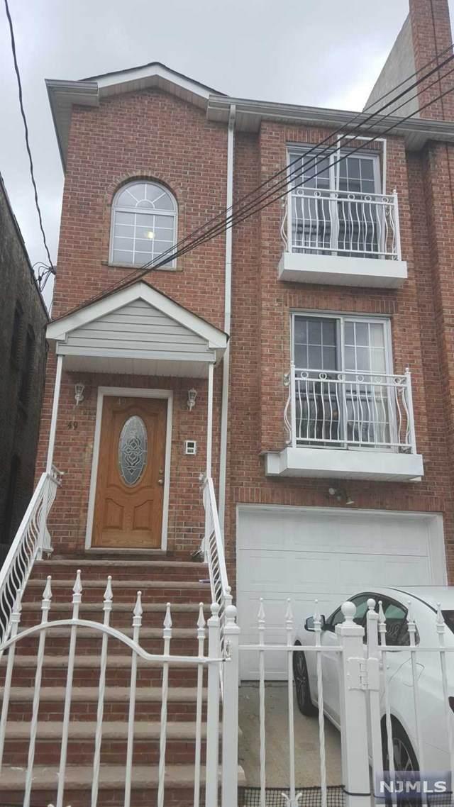 49 Rutgers Avenue - Photo 1