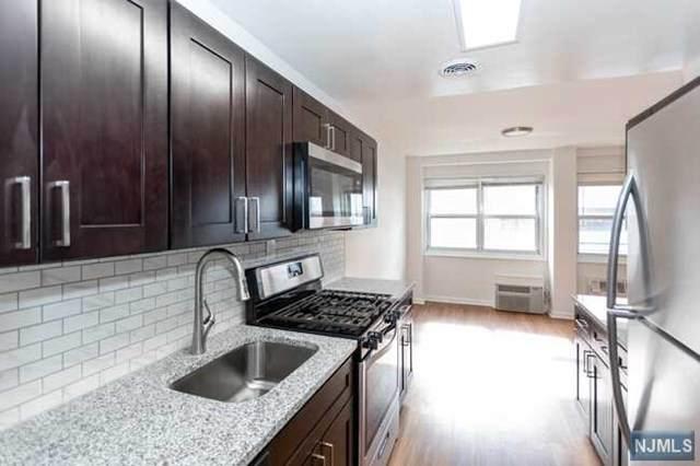 2175 Hudson Terrace - Photo 1