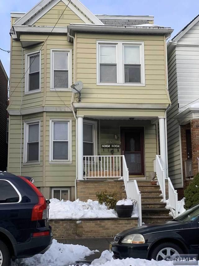 107 W 6th Street, Bayonne, NJ 07002 (MLS #20052447) :: William Raveis Baer & McIntosh