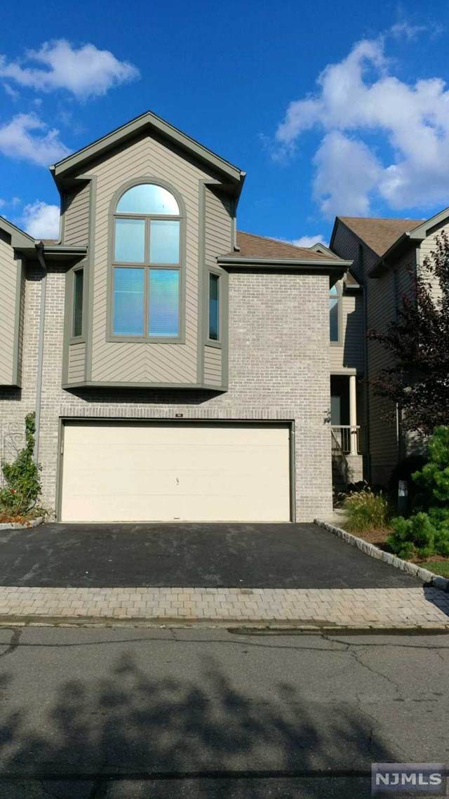 710 Holly Court - Photo 1