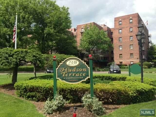 2333 Hudson Terrace - Photo 1